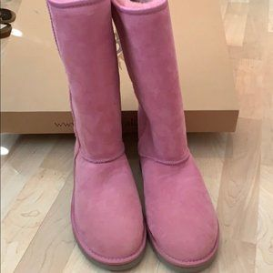 Ugg boots size 9W